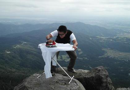 extreme-ironing-04